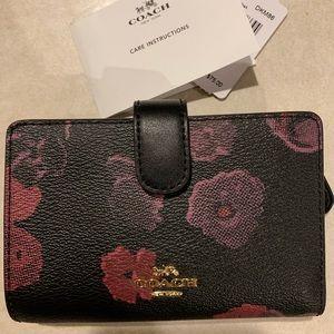 Floral print coach envelope cc wallet
